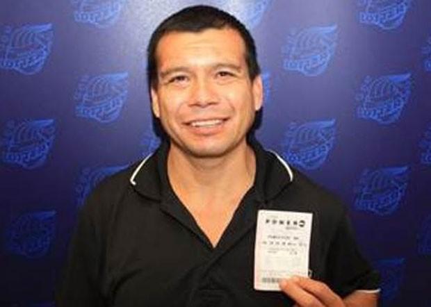 Andres Salgado guardou por seis semanas bilhete premiado de loteria. (Foto: Divulgação/Illinois Lottery )
