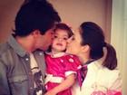 Kaká e Carol Celico postam foto dando beijinho na filha Isabella