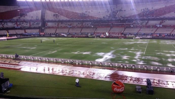 Chuva Monumental brasil x Argentina (Foto: Marcio Iannacca)
