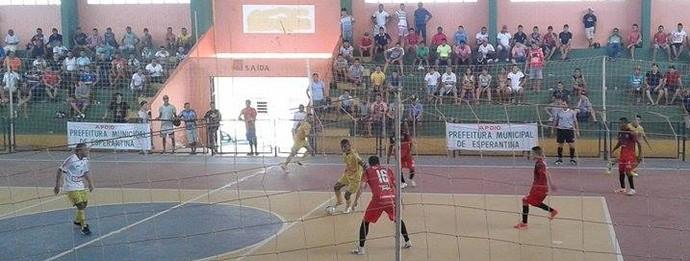 Cajuína é tricampeão do estadual de futsal sobre o Crensa (Foto: Ricardo Oliveira/Ascom)