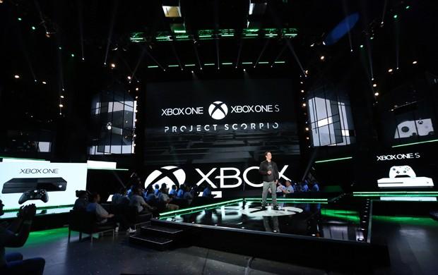 'Project Scorpio' é versão mais poderosa do Xbox One e será usada para rodar a realidade virtual e imagens em resolução 4K (Foto: Casey Rodgers/Invision for Microsoft/AP Images)