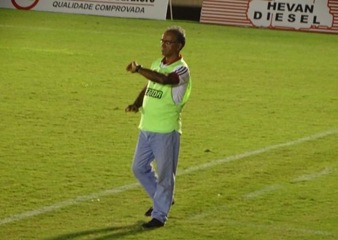 Wantuil Rodrigues, técnico do Nacional de Muriaé (Foto: SilvanAlves.com/Divulgação)
