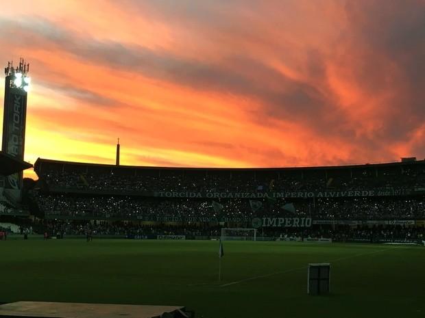 Blog Torcida Coritiba - Estádio Couto Pereira fim de tarde Alto da Glória