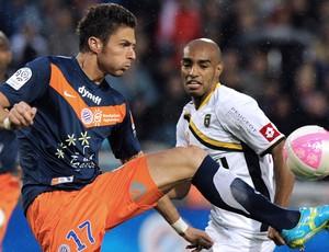 Olivier Giroud do Montpellier e Carlão do Sochaux (Foto: AFP)