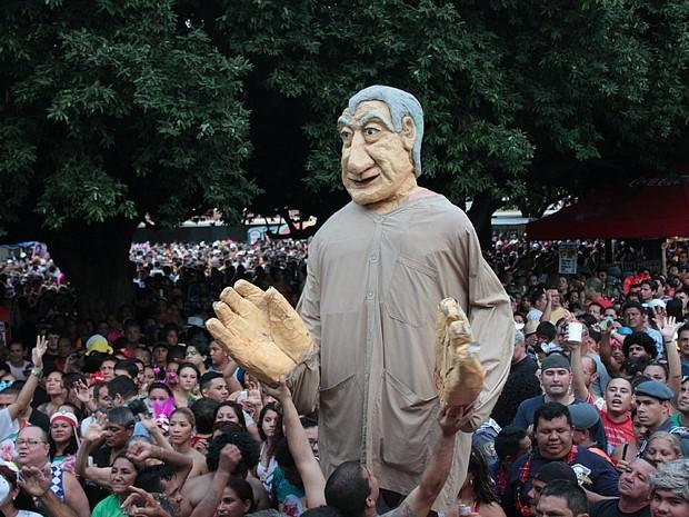 Banda da Bica arrastou aproximadamente 60 mil foliões, segundo fundador da festa (Foto: Camila Henriques/G1 AM)