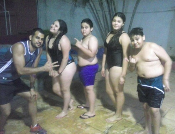 Participantes do Desafio Personal caem na piscina.  (Foto: Antonio Neto / Arquivo Pessoal)