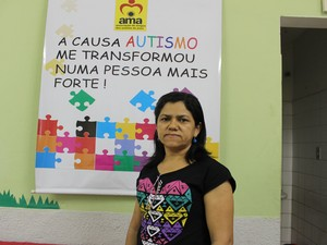 Maria Rosália Sousa Oliveira, diretora da associação (Foto: Ellyo Teixeira/G1)