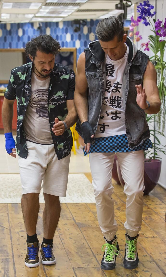 Marcos e Rômulo ensaiam um passinho? (Foto: Artur Meninea/Gshow)