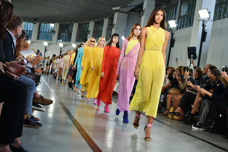 Desfile Emilio Pucci de Primavera/Verão 2017 na Milan Fashion Week (Foto: Catwalking/Getty Images)