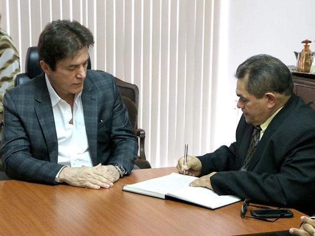 Crispiniano Neto tomou posse nesta quarta-feira (4) (Foto: Demis Roussos/Assecom)
