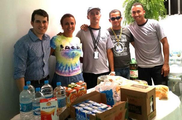 Equipe da TV Gazeta realiza doações ao LACA (Foto: Divulgação/TV Gazeta)