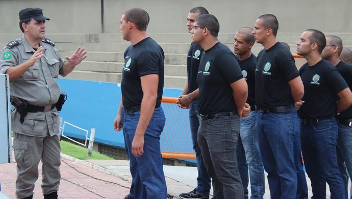 Major Clauber Freitas - Comandante do Policiamento nos estádios de Goiânia (Foto: Fernando Vasconcelos / Globoesporte.com)