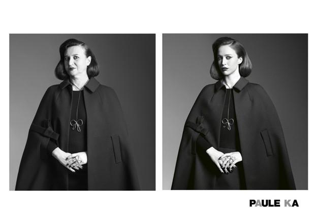 No anúncio da Paule Ka, em look mais clássico e sisudo (Foto: Reprodução / Nathalie Croquet)