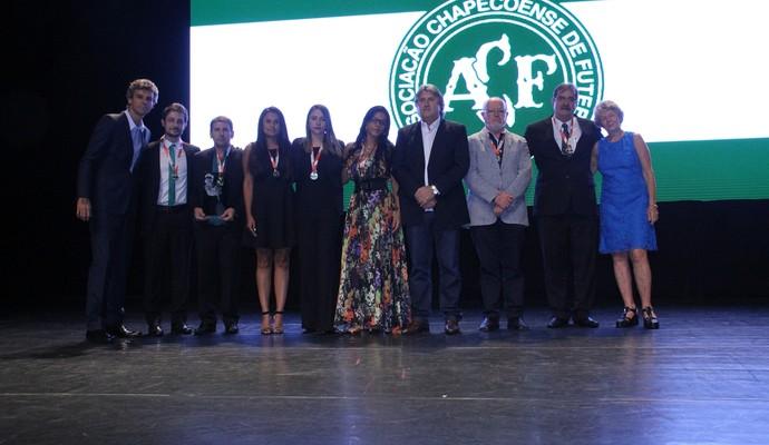 Troféu Gustavo Kuerten (Foto: Saul Oliveira/Divulgação)