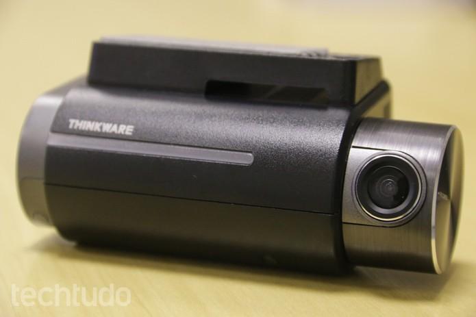 A câmera frontal da Thinkware FXD900 grava em resolução Full HD (Foto: Lucas Mendes/TechTudo)