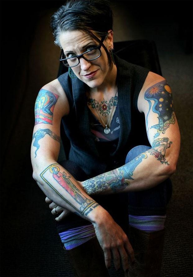 Nadia Bolz Weber é criadora da Casa para Todos os Pecadores e Santos, em Denver, nos EUA  (Foto: BBC)