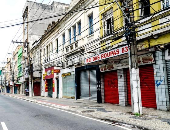Lojas fechadas em Vitoria em virtude da manifestação de familiares dos Policiais Militares do Espirito Santo em frente ao Batalhão da PM na capital  (Foto: Gabriel Lordêllo / Parceiro / Agência O Globo)