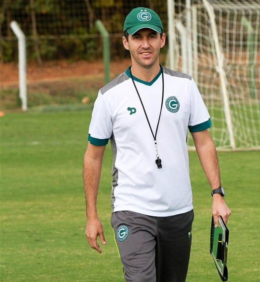ele fica (Rosiron Rodrigues/Goiás E.C.)