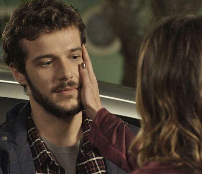 'Praticamente parou sua vida por mim', diz Giovanni, agradecido (Foto: TV Globo)
