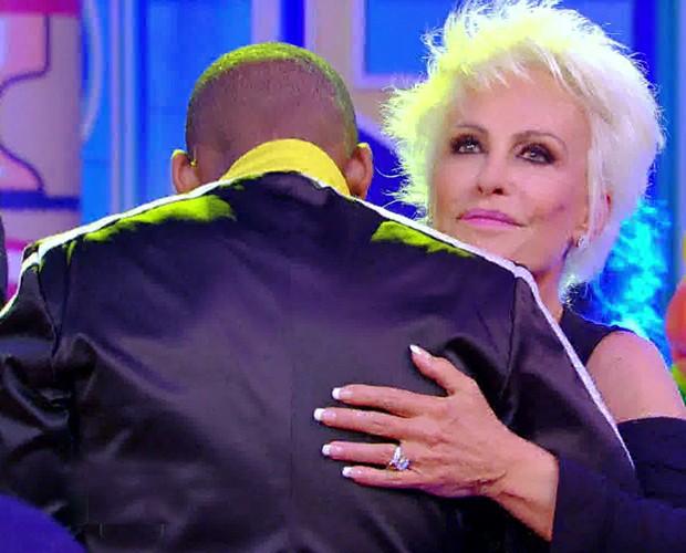 Apresentadora do Mais Você se diverte no programa (Foto: Esquenta!/TV Globo)