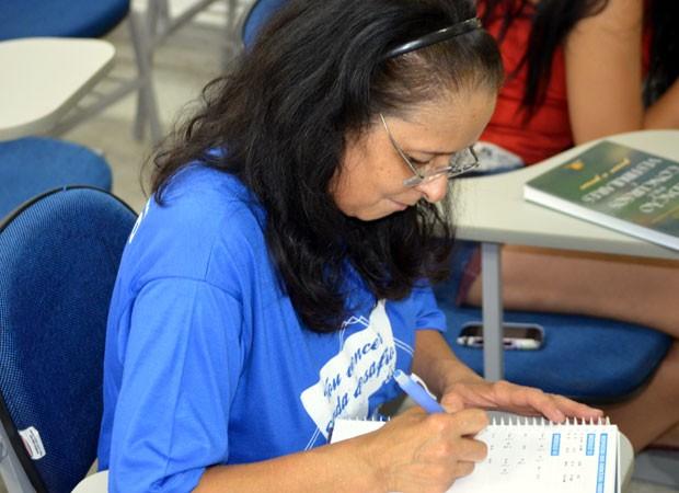 A diarista de Campinas Marta da Silva vai prestar Enem (Foto: Arthur Menicucci / G1)