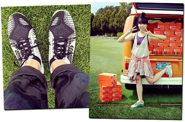 (Foto: Tommy Ton e Susie Bubble a bordo das novidades apresentadas pela Nike)
