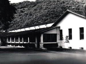 Foto mostra a fachada do Grand Hotel Pocinhos, um dos mais antigos do Brasil (Foto: Divulgação)