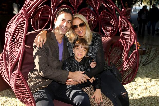 César Tralli e Ticiane Pinheiro com Rafa Justus (Foto: Thiago Duran/AgNews)