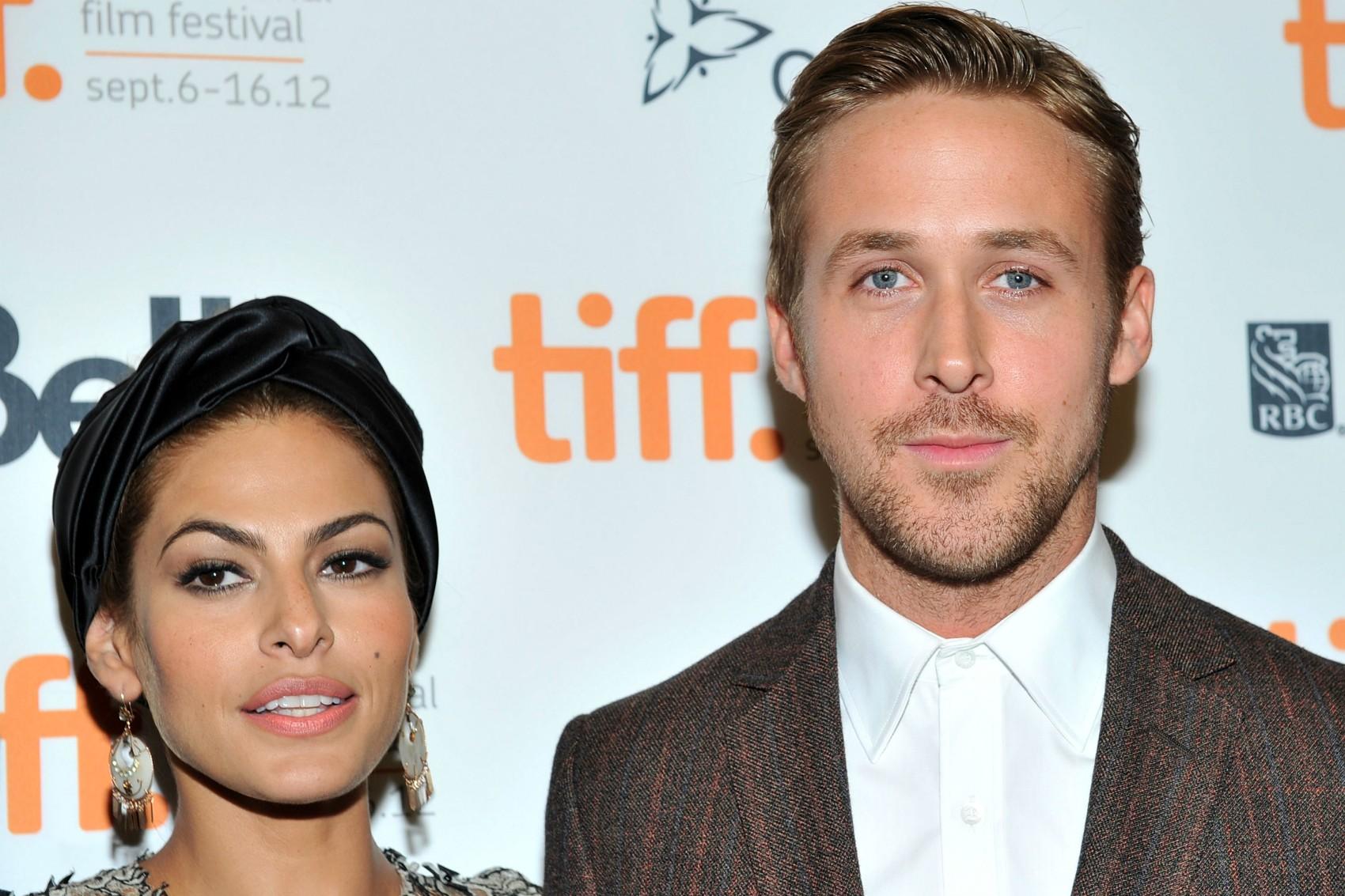 Também em julho, veio à tona que os atores Ryan Gosling e Eva Mendes estão esperando seu primeiro bebê. (Foto: Getty Images)