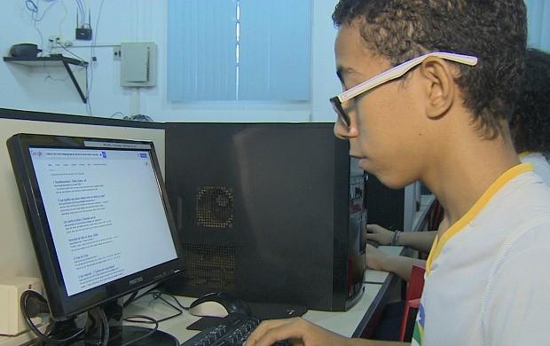 Palestra alerta estudantes para segurança na internet (Foto: Rondônia TV)
