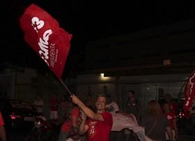 No PI, Dilma obtém 78,30%; militantes comemoram (Emanuele Madeira)