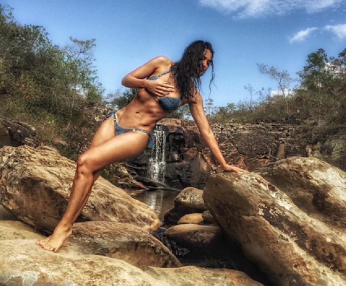 Débora Nascimento pratica crossfit para manter a boa forma (Foto: Arquivo Pessoal)