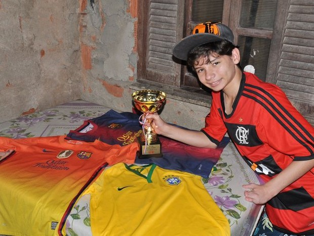 Gabriel, que nasceu sem os pés, representou o Brasil em ebvento na China (Foto: Divulgação Secom / Prefeitura de Campos dos Goytacazes)