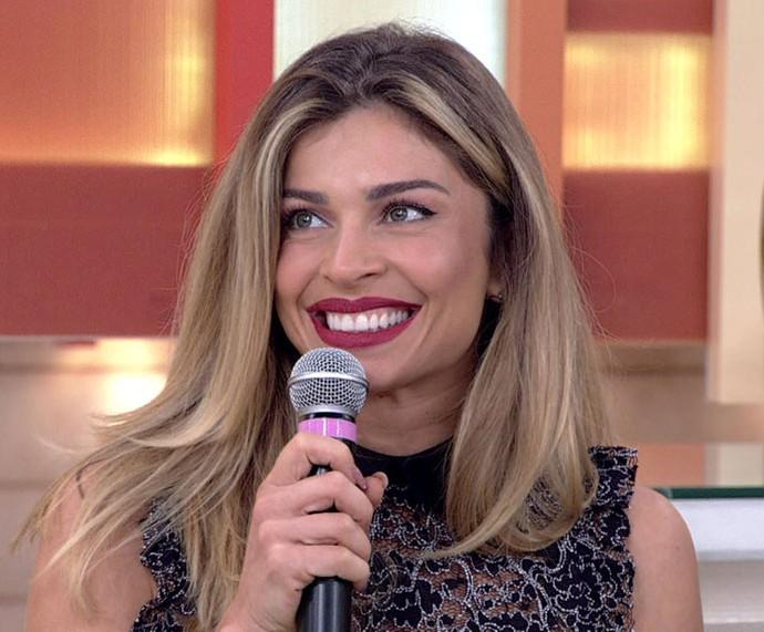 Grazi comenta indicação ao Emmy no 'Encontro' (Foto: TV Globo)
