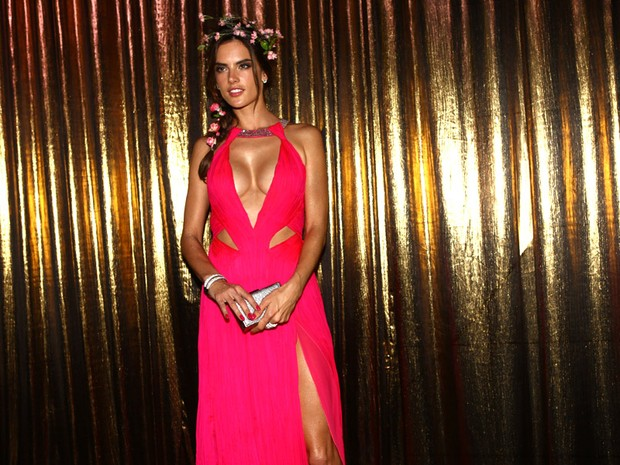 Alessandra Ambrósio no Baile de Gala da Vogue (Foto: Iwi Onodera / EGO)