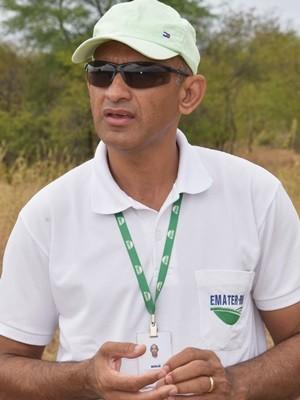 Osenaldo dos Santos, técnico da Emater no Rio Grande do Norte (Foto: Anderson Barbosa e Fred Carvalho/G1)