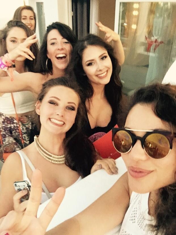 Maria Melilo em Ibiza com as amigas (Foto: Arquivo Pessoal)
