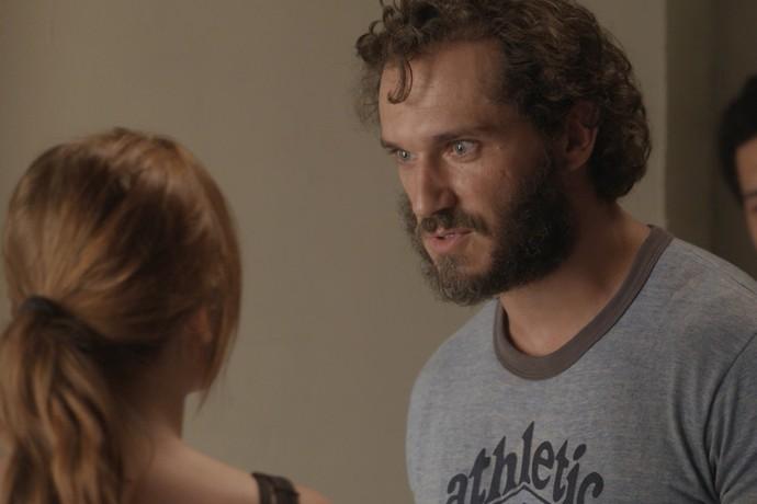 Dino faz proposta a Eliza (Foto: TV Globo)