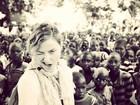 Madonna posta registro de sua visita a escola no Malauí