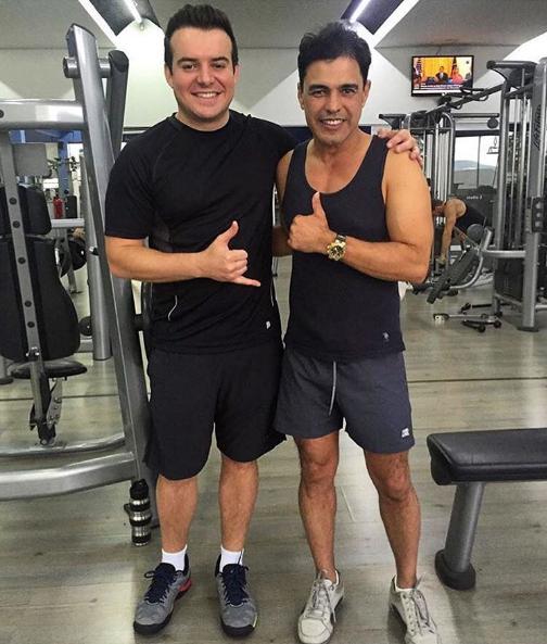 Belutti e Zezé Di Camargo na academia (Foto: Reprodução / Instagram)