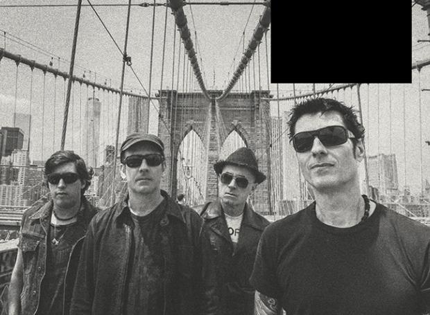"""A banda Capital Inicial posa em Nova York, palco da gravação do disco """"Acústico NYC"""" (Foto: Divulgação)"""