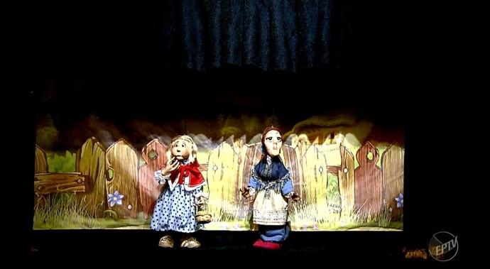No museu Espaço do Boneco também são realizadas peças de teatro para crianças e adultos (Foto: reprodução EPTV)