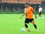 Leandro Carvalho não se apresenta e Tuna pode desistir do atacante bicolor
