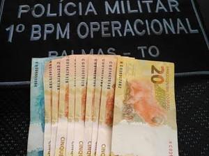 Polícia apreende R$ 400 em dinheiro falso (Foto: Divulgação/PM TO)
