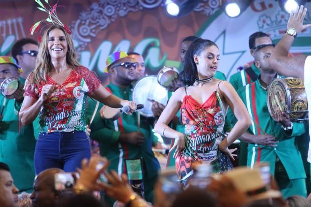 Paloma Bernardi e Ivete (Foto: Daniel Pinheiro / Rodrigo dos Anjos /AgNews )