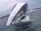 Vídeo amador mostra naufrágio de barco que levava turistas para observar baleias
