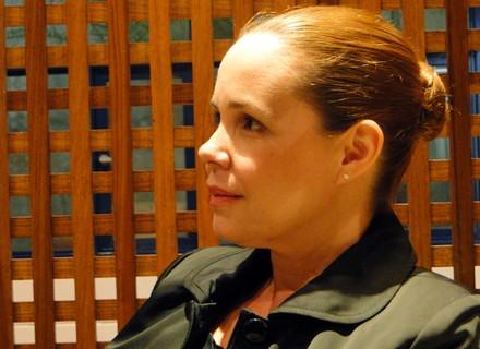 'Olga virou meio uma detetive', conta Débora Duboc