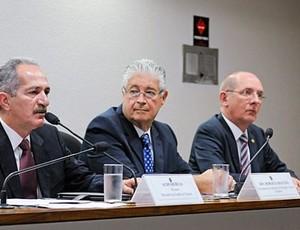 Ministro Aldo Rebelo em audiência no Senado (Foto: Arthur Monteiro/Agência Senado)