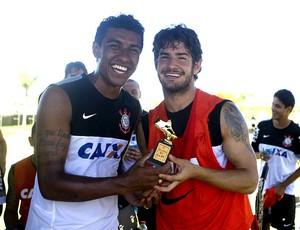 Alexandre Pato Paulinho Corinthians (Foto: Daniel Augusto Jr/Ag. Corinthians)