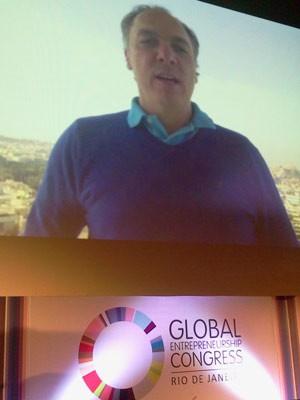 """Ricardo Bellino, em vídeo, apresenta o projeto Ëncontrando o novo Steve Jobs"""" (Foto: Lilian Quaino/G1)"""